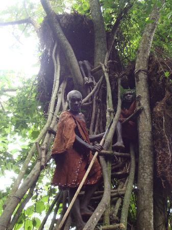 Sanctuary Gorilla Forest Camp: Elder James and the Pigmy Tree house