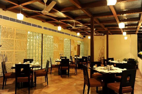 Ahuja Residency Sunder Nagar: Dining Room