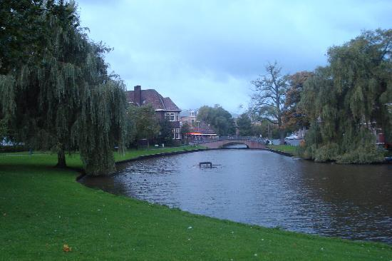 Leiden, Holland:  ()