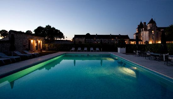 Chinon, France : La piscine