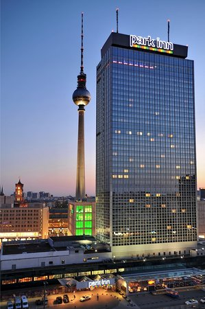 Park Inn by Radisson Berlin Alexanderplatz: Aussenansicht