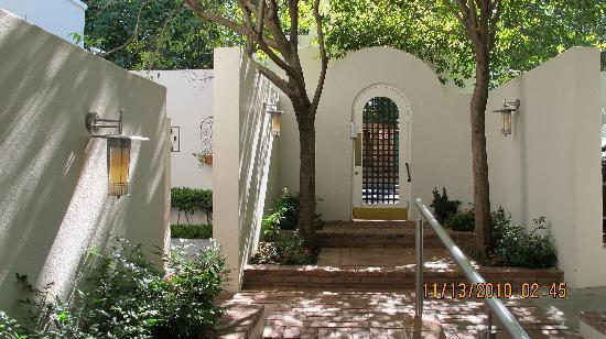 Clico Boutique Hotel: Entry Courtyard