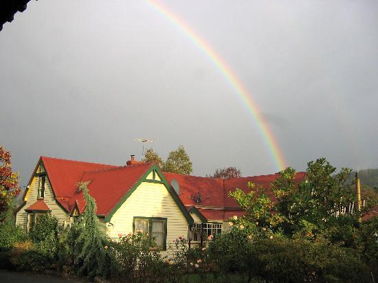 Grove, Australia: The Rainbow