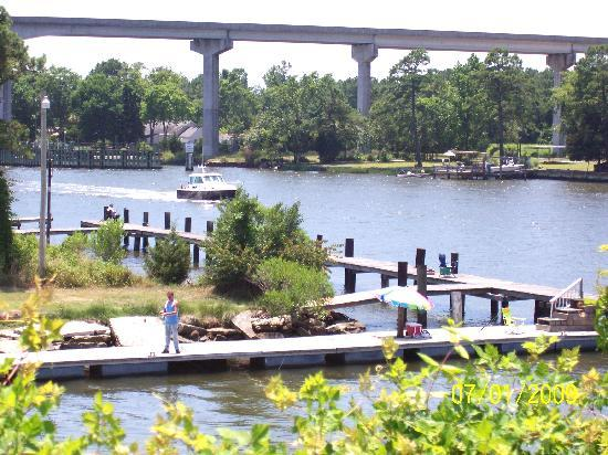 Core Creek Lodge: Located on the Intercoastal Waterway
