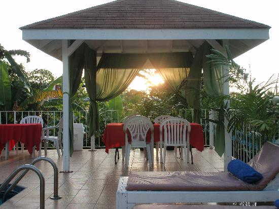 Seastar Inn: sun setting