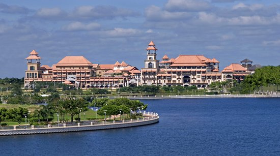 Pullman Putrajaya Lakeside