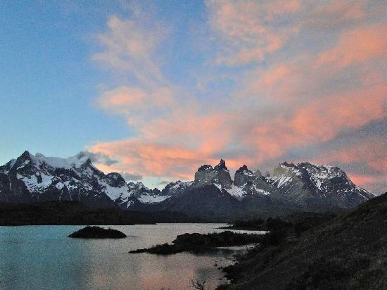 explora Patagonia - Hotel Salto Chico: Torres range at sunset