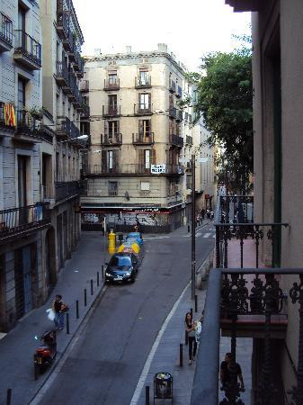Hotel Sant Agusti : From Hotel looking back towards Las Ramblas
