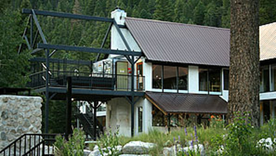 Columbine Inn & Conference Center: Summer @ Taos Ski Valley