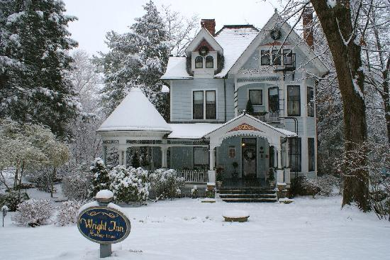 Beautiful Victorian Picture Of The 1899 Wright Inn And Carriage House Asheville Tripadvisor