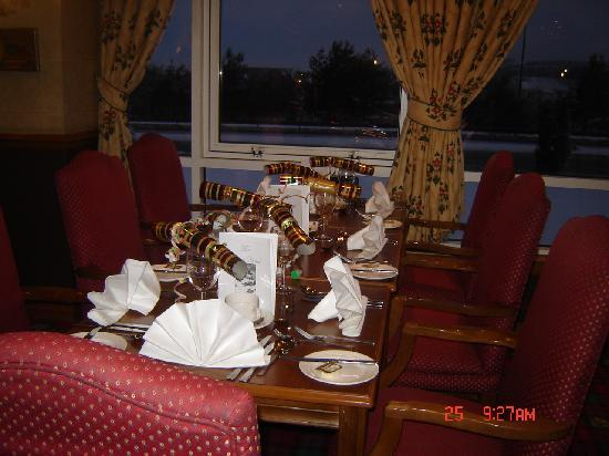 Cairn Hotel: dinning room Christmas