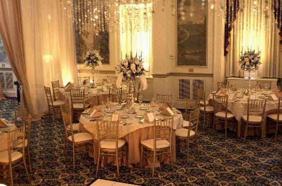Inn On Broadway: The Ballroom set for a Wedding