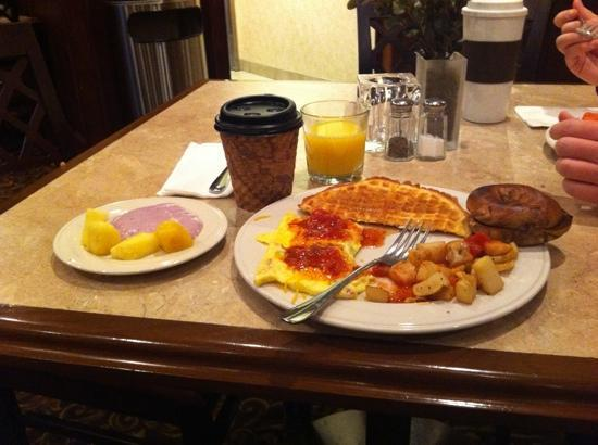 Oxford Suites Boise: breamfast