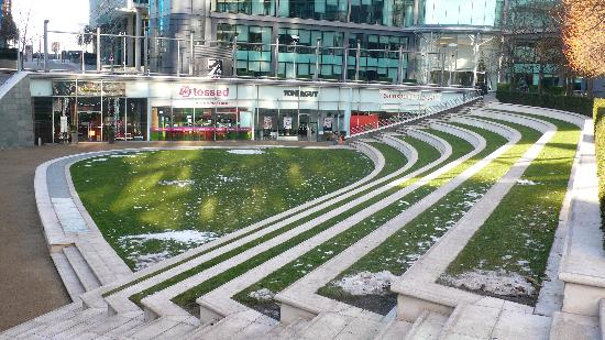 Green terrace at paddington central near the hotel for 22 river terrace building link