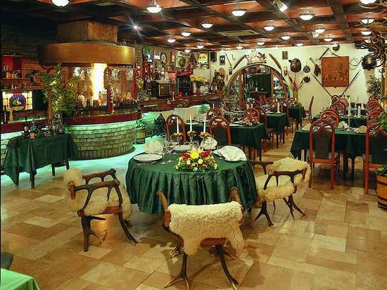 Eger, Hungary: Main dining area of the Feher Szarvas