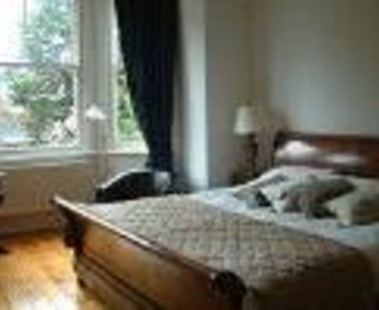 Photo of The Grove Guesthouse Wilmslow