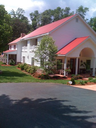 Pleasant View Farm Bed and Breakfast Inn: Farmhouse