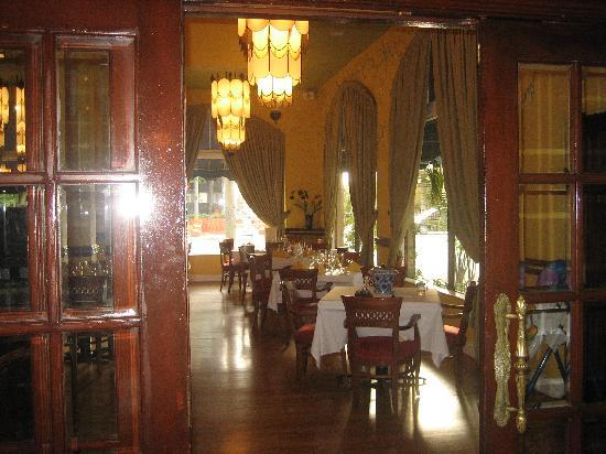 Hotel Place St. Michel: off lobby
