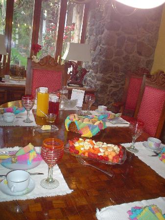 Quinta del Sol: Breakfast in the beautiful dining room