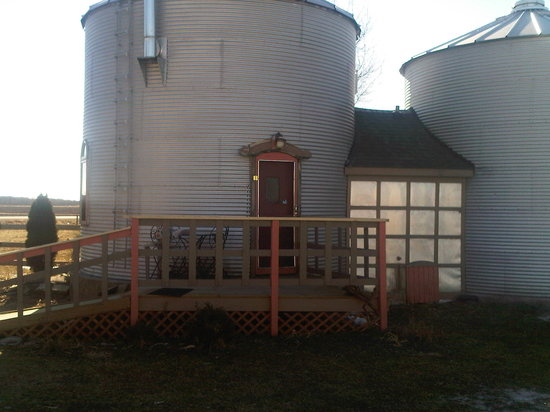 "Marcia's Bed and Breakfast: ""The Grain Bin"""