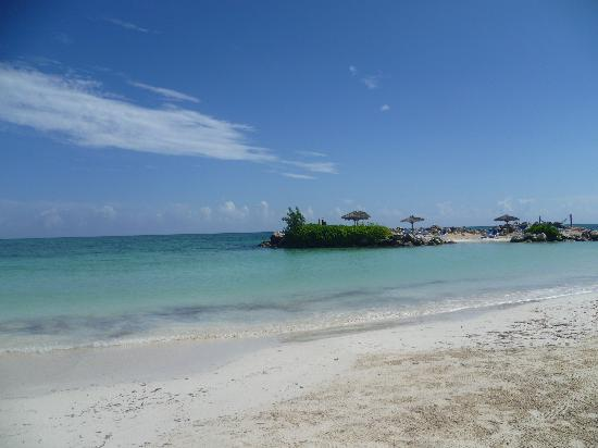 Starfish Trelawny Resort & Spa: Hotel Beach