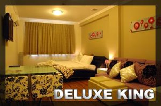 Posh Hotel: Deluxe King Room (Shared bathroom)