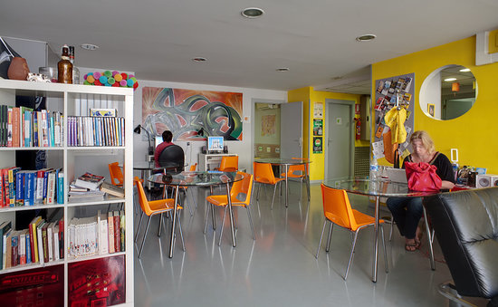 Alberguinn Sants Youth Hostel: Common Areas