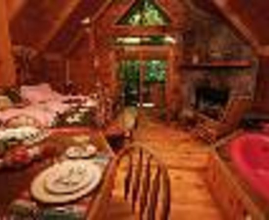 Photo of A Cabin In the Woods Pigeon Forge