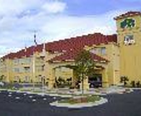 La Quinta Inn &amp; Suites Macon West Thumbnail