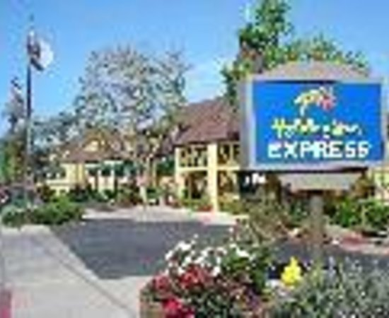 hotel exterior picture of holiday inn express solvang. Black Bedroom Furniture Sets. Home Design Ideas