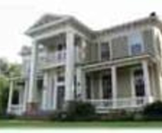Photo of McWillie-Singleton House, A Southern Bed and Breakfast Canton