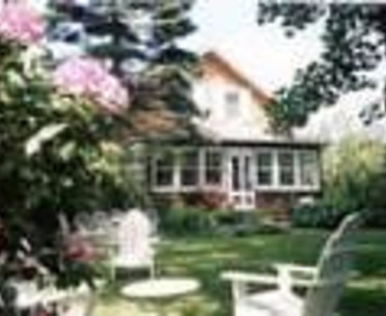 East Hampton Village Bed & Breakfast Thumbnail