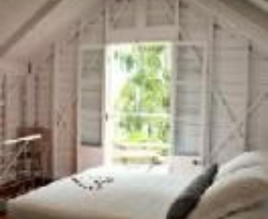 Port Douglas Cottage & Lodge Thumbnail