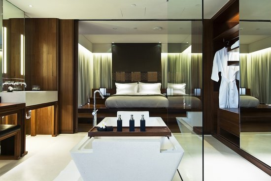 Hansar Bangkok: Vertigo Suite Bathroom