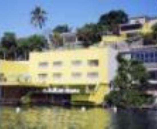 Photo of Casa del Lago Tequesquitengo