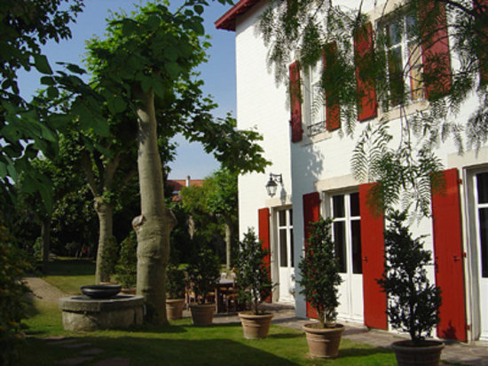 Villa Vaureal: quiet garden in the center of Biarritz