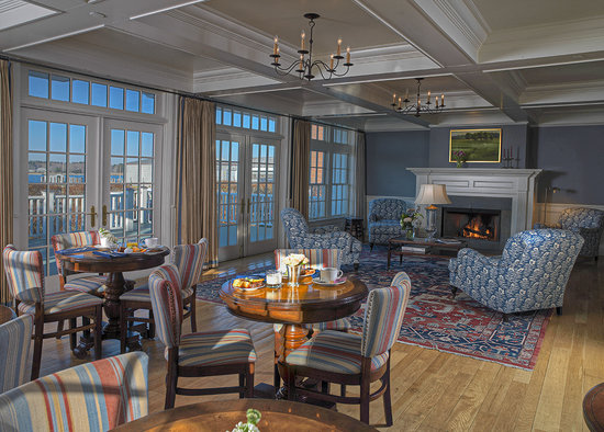 Inn at Stonington: Living Room