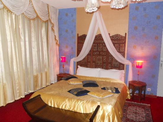 Itsara Suites & Spa: Bed area