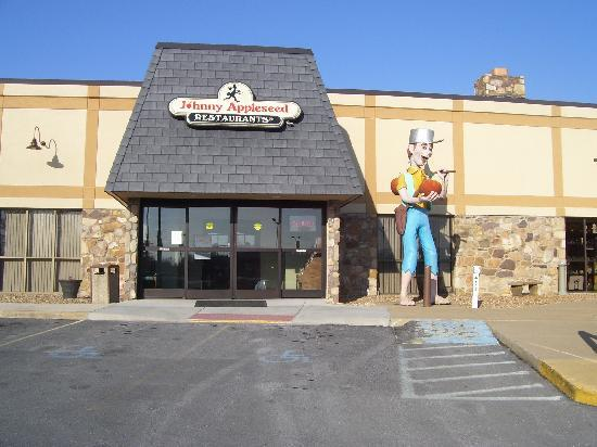 Quality Inn Shenandoah Valley: Johnny Appleseed Restaurant in motel