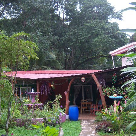 Hostel and Cabinas Secret Garden
