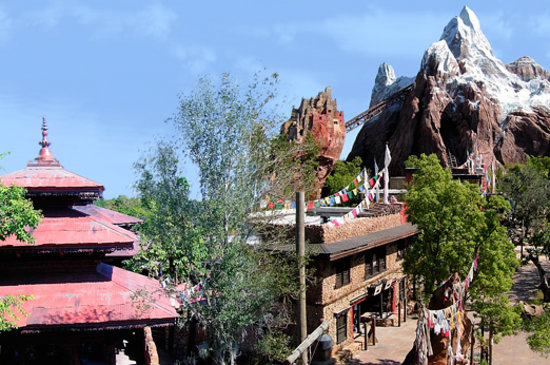 Disney World, : Expedition Everest Attraction, Disney