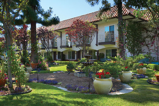 Laguna Hills Lodge: Central Garden Courtyard