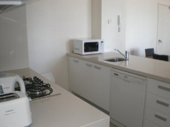 Melbourne Short Stay Apartments Southbank Deluxe: Kitchen