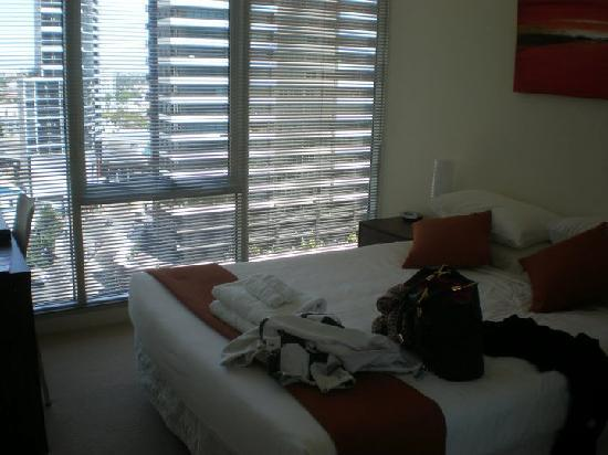 Melbourne Short Stay Apartments Southbank Deluxe: Main bedroom