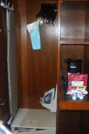 Four Points by Sheraton Midtown - Times Square: closet with pullout drawer & coffee maker