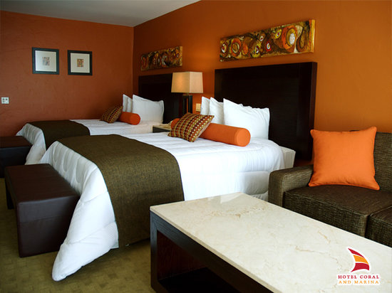 Hotel Coral &amp; Marina: Remodeled Suites
