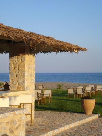 Castello Antico Beach Hotel: pool bar 2