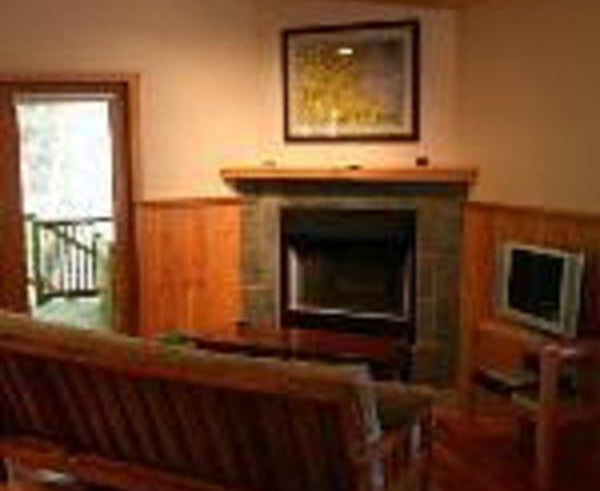 Evergreen Forest Cabins Thumbnail