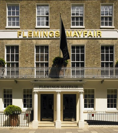 Flemings Hotel &amp; Apartments: Exterior