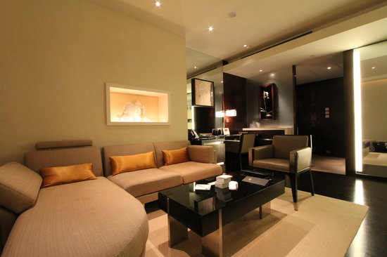 The Landmark Mandarin Oriental, Hong Kong: living room